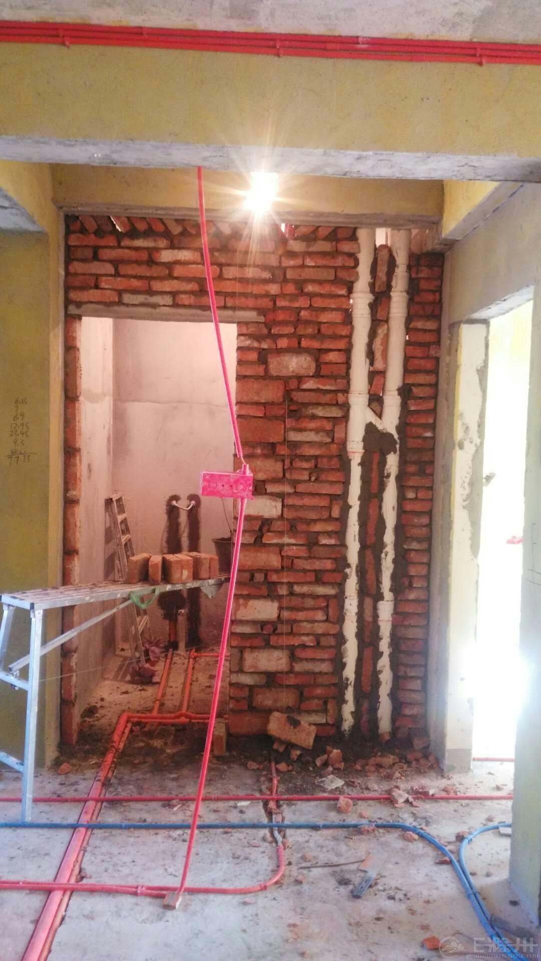 卫生间砌墙3.jpg