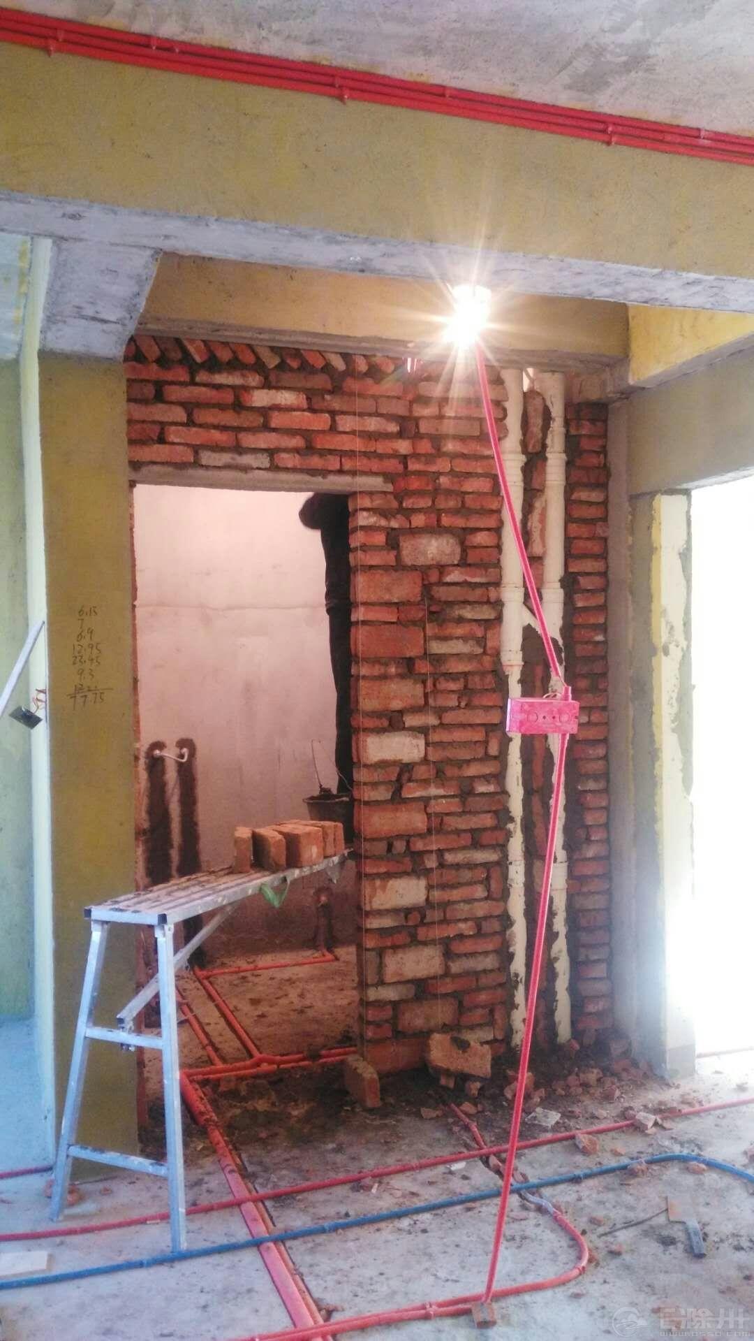 卫生间砌墙4.jpg