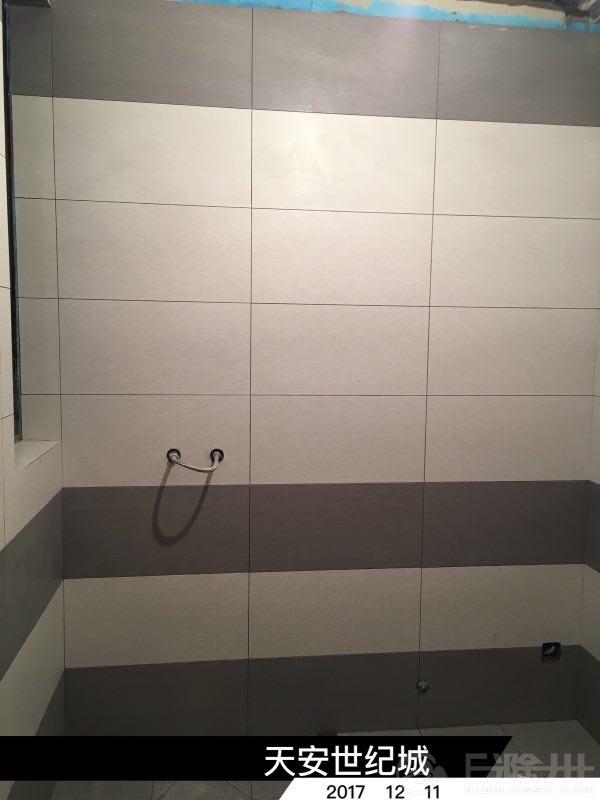 卫生间砖贴好1.jpg