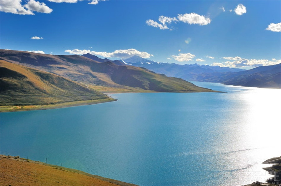 圣湖羊卓雍湖.jpg