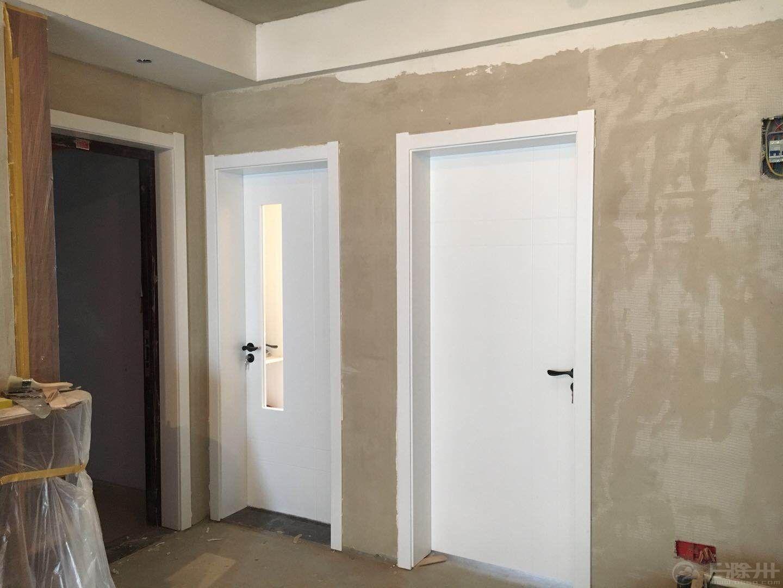 安装好的门1.jpg
