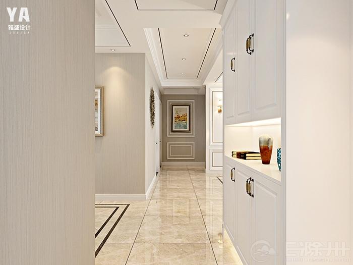 玄关过道,一幅简欧装饰画搭配实木线条造型,简约别致,混油白鞋柜,满足