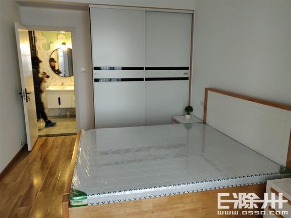 小卧室1.jpg
