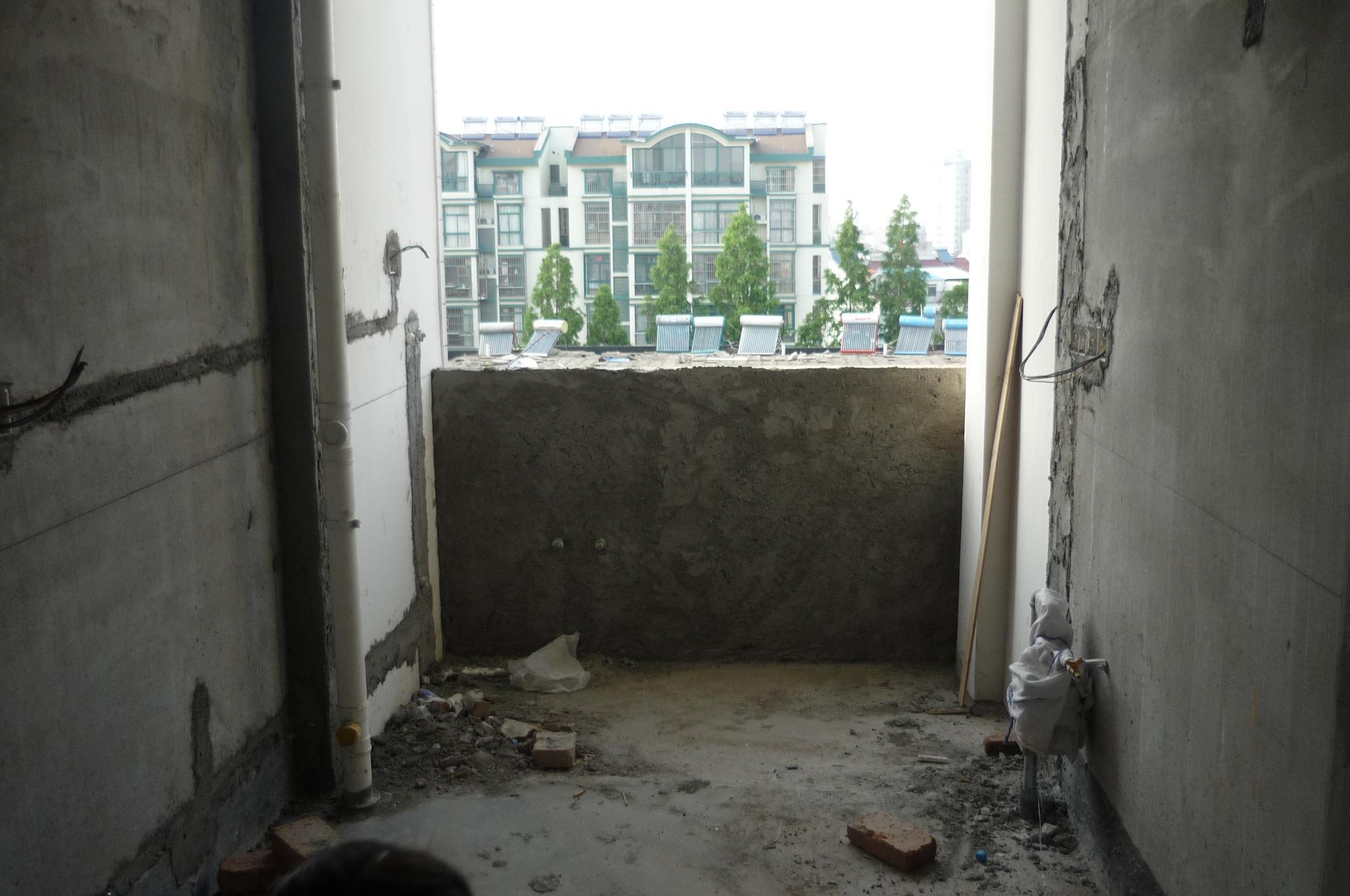 厨房后阳台.JPG